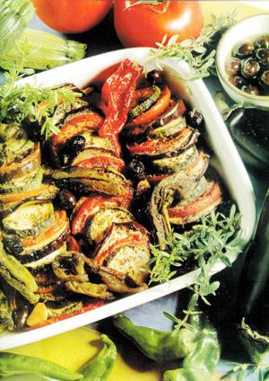 Articole culinare : Vinete, dovlecei şi roşii la cuptor