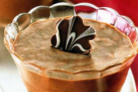 Cremă de ciocolată și rom la pahar