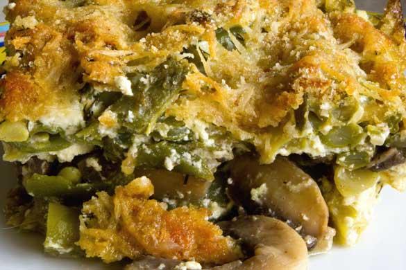 Fasole verde cu ciuperci și smântână la cuptor