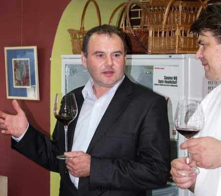 Mihai Banita, Razvan Avram