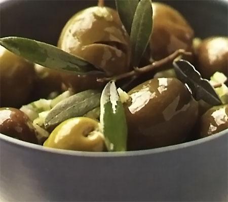 Măsline marinate picante