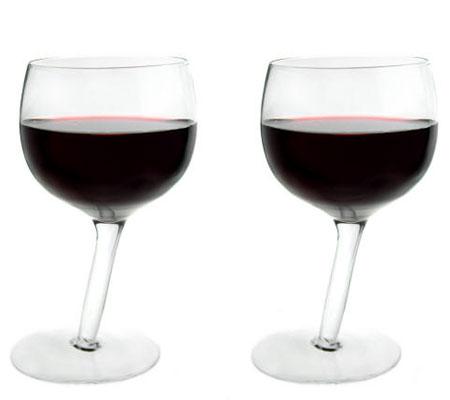 Accesorii pentru vin: Pahare cu picior strâmb