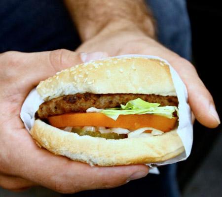 Hamburger facut de robot