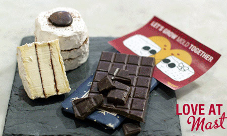 Ciocolată cu brânză Love at Mast