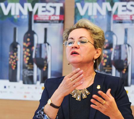 Lucia Pîrvu la Conferința de presa Vinvest 2014