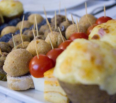 Câteva dintre aperitivele oferite de restaurantul Expo